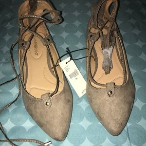 NWT tope lace up flats size 7w from Lane Bryant